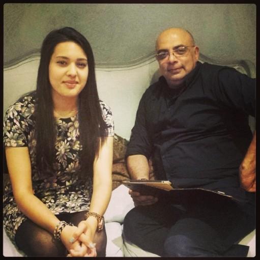 London Ki Ladki & Tarun Tahiliani At Aashini & Co