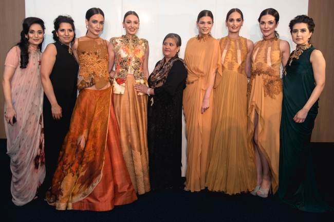 Salma Patel, Bilkis Siddat, Sulakshana Monga & Khadijha Tai with models at Sulakshana's unveiling of her Autumn/ Winter 2015 collection