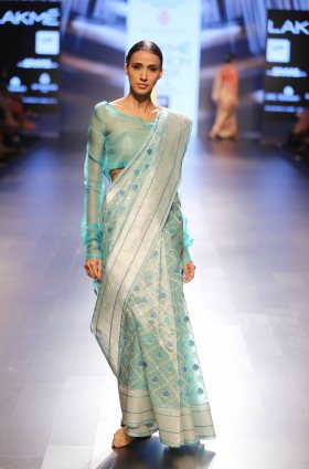 Swati & Sunaina at LFW SR 2016 (21)