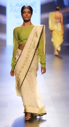 Swati & Sunaina at LFW SR 2016 (24)