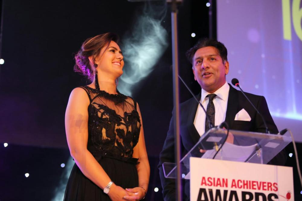 farrah-storr-and-nitin-ganatra-hosts-of-aaa16