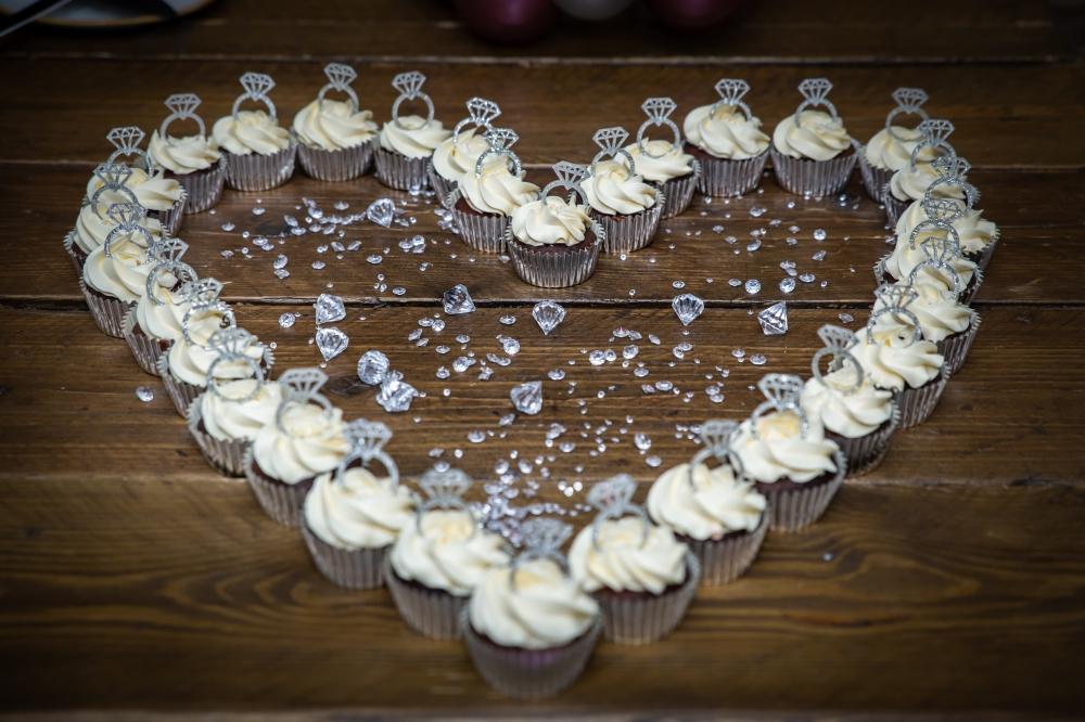 London Ki Ladki Indian Engagement Party | Engagement Cupcake Ideas
