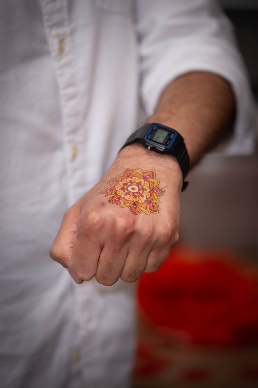 London Ki Ladki Indian Engagement Party | Engagement Ideas | Temporary Tattoos | Doris Loves Tattoos