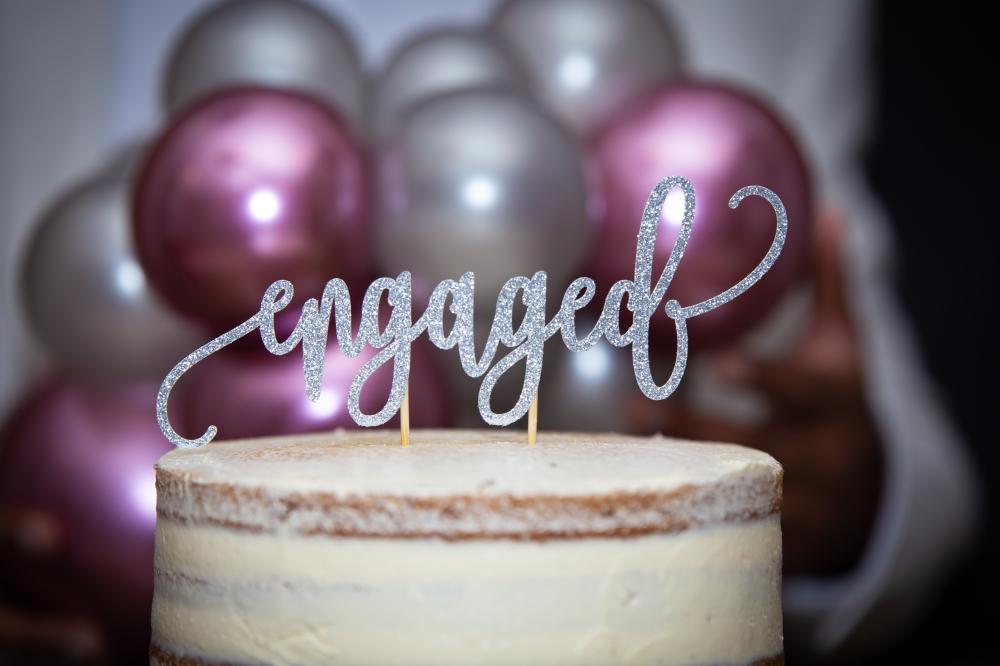 London Ki Ladki Indian Engagement Party | Created by Aurelija Balloonista | Engagement Cake Ideas