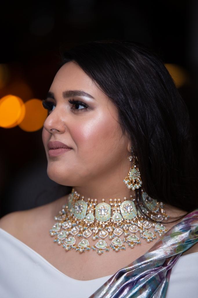London Ki Ladki Indian Engagement Party   Engagement Outfit Ideas   NorBlack NorWhite Saree   Toraan Jewellery